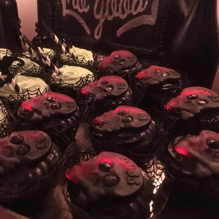 Vaniljcupcakes med lakritsfrosting